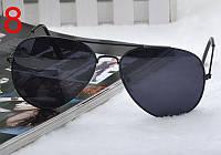 Солнцезащитные очки с черными линзами в черной оправе Aviator