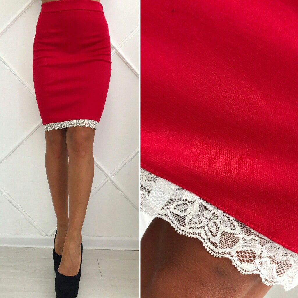 892f3b36847 Красная стильная трикотажная облегающая юбка-карандаш с белым кружевом  внизу. Арт-2605