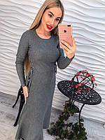 Стильное красивое платье с шнуровкой по бокам длинный рукав серое тренд 2017 го