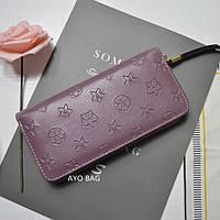 Женский кошелек в стиле Louis Vuitton с тиснением на молнии большой лиловый