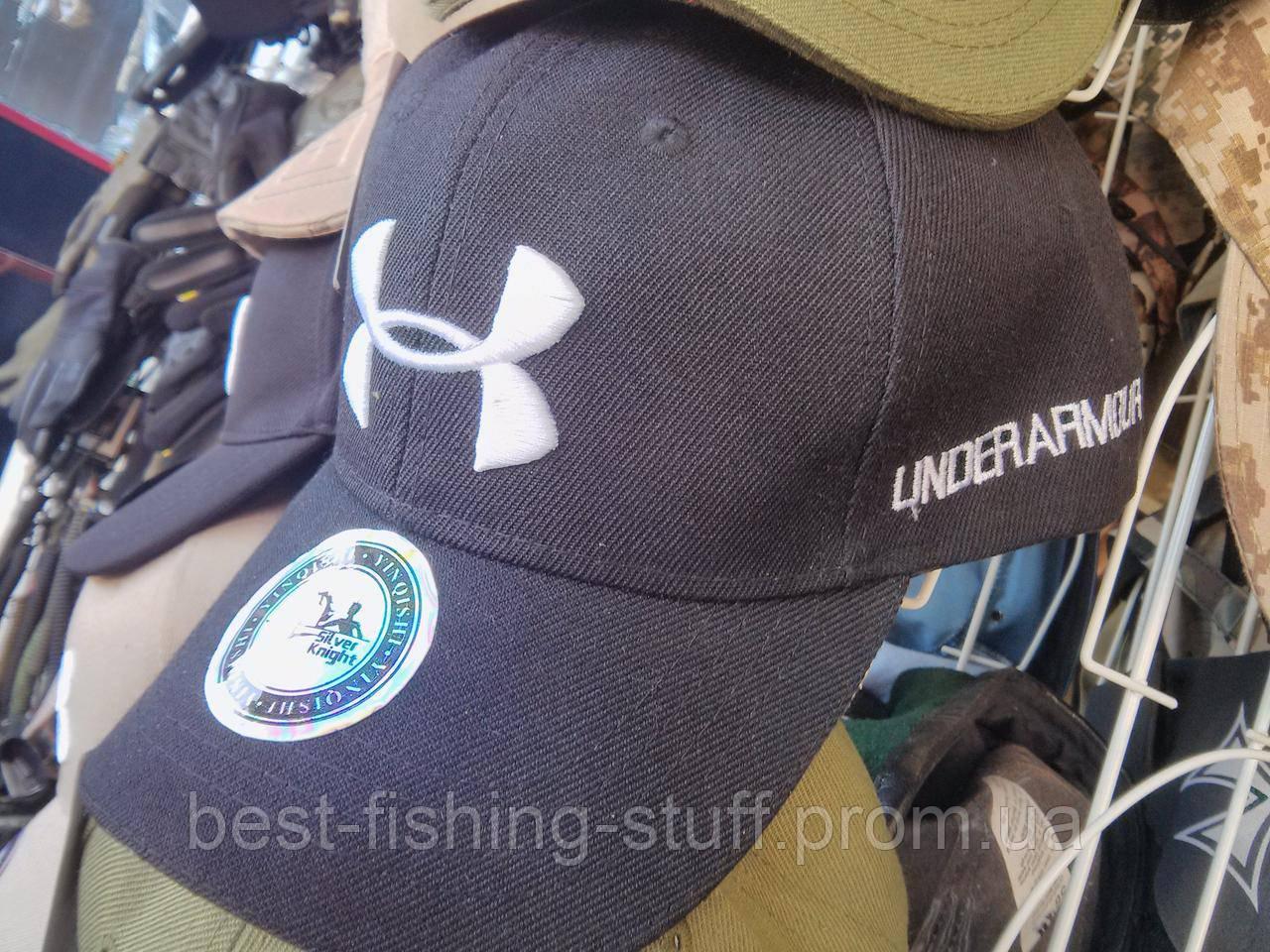 Брендовая бейзболка Under Armor черная