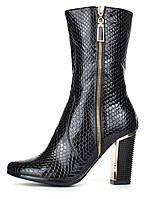 Сапоги женские на каблуке черные Ascalini глянцевая текстура, Черный, 40