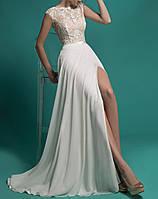 Вечернее необычно сексуальное свадебное платье с открытой спиной и разрезом спереди СВ-22586