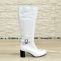 Сапоги зимние кожаные женские на устойчивом каблуке, цвет белый.