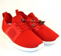 Красные текстильные кроссовки  .