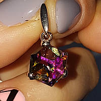 Кулон серебряный Куб Сваровски вем 2.10 грамм цвет прозрачный, переливается разными цветами