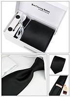 Строгий галстук черного цвета