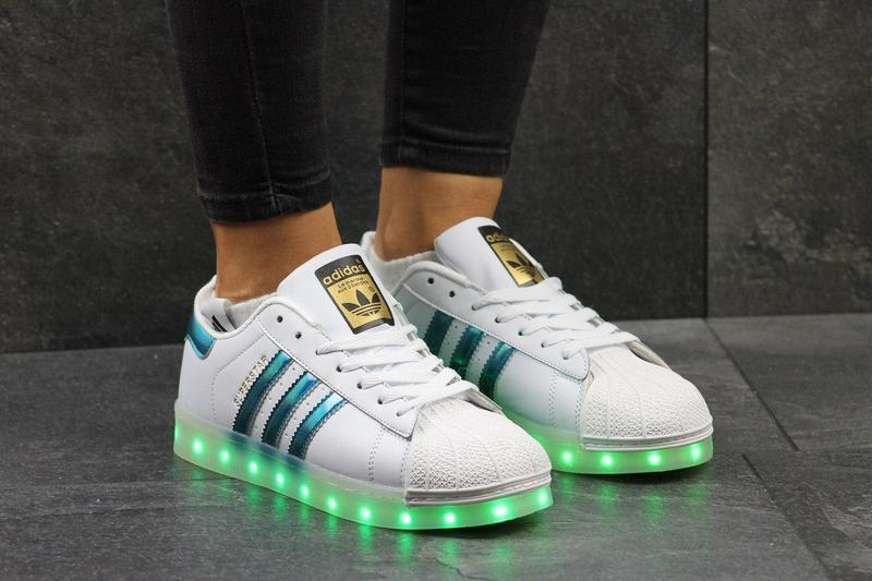 Жіночі кеди Adidas Superstar з LED підсвіткою - білі з синіми смужками  612301aaee4c9