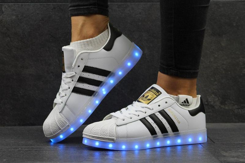 ... Жіночі кеди Adidas Superstar з LED підсвіткою - білі з чорними смужками   78734f62f0ca3