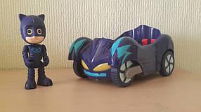 Герои в масках на машинках PJ Masks  Кетбой на Кетмобиле