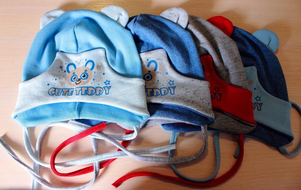 Трикотажные шапки на мальчика Тедди 42-46 см Серо-красная