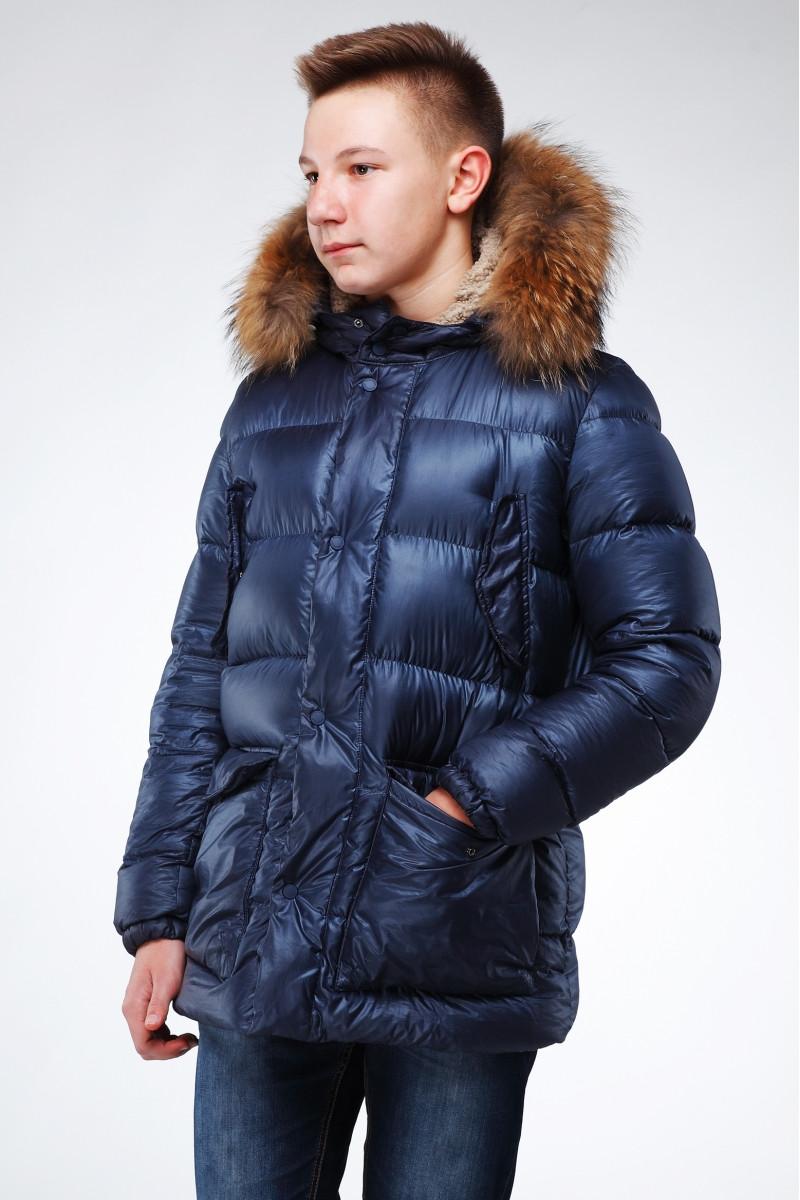 Подростковая стеганная куртка прямого силуэта с отстежным мехом