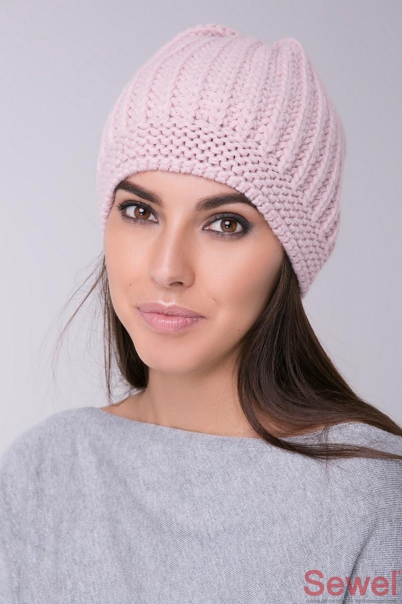 Вязаная теплая шапка женская