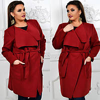 Легкое пальто с накладными карманами батального размера