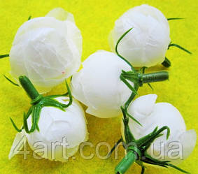 Троянди з тканини