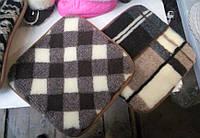 Накидка - подушка на табурет из овечьей шерсти. Размеры 33 х 33 см