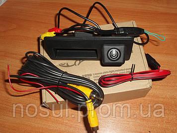 Камера HD night Vision заднего вида штатная (кнопка багажника) VW Volkswagen Passat B5 Tiguan 2008+ Touareg II