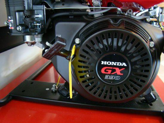 Бензиновый трехфазный генератор Honda ECT7000K1