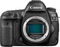 Зеркальный фотоаппарат Canon EOS 5D Mark IV