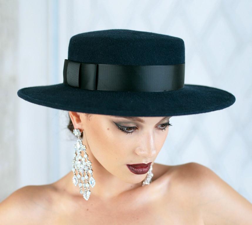 Фетровая шляпа канотье с лентой поля 7 см