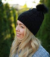 Женская шапка с помпоном на флисе черная