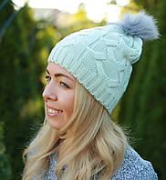 Женская вязаная шапка с помпоном мятная
