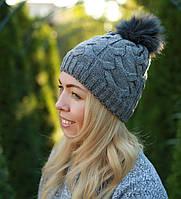 Женская шапка на флисе с помпоном серая