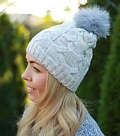 Женская вязаная шапка с помпоном серая