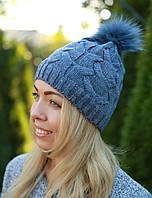 Женская вязаная шапка с помпоном стильная