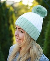 Женская вязаная шапка с помпоном теплая
