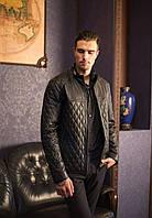 Куртка черная, кожаная, стеганная, на молнии