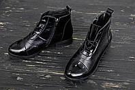 Женские ботинки  из натуральной лакированной кожи на застёжке молния