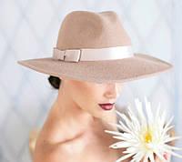 Фетровая шляпа мужского стиля цвет бежевый