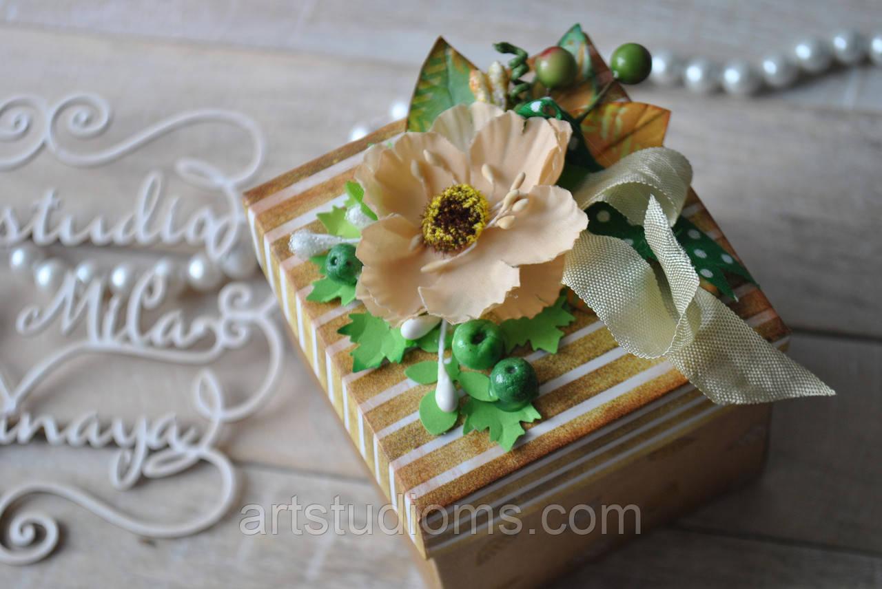 Коробочка для сладкого подарка. Ручная работа