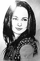 Поздравительный сувенир любимой жене портрет с фотографии карандашами на ватмане
