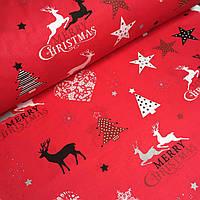 Рождественская ткань с оленями и ёлками на красном фоне№734