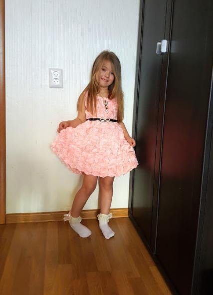 Нарядные платье 3Д розы для девочки на 1-2 года