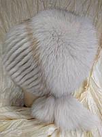Меховая шапка из норки и песца на вязанной  основе цвет жемчуг