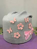 Вязанная шапка с цветами для девочки, фото 1