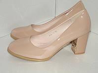 Лаковые женские туфли, р. 40