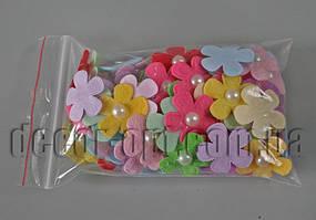 Фетровые ромашки разноцветные  с полубусиной 2,6см/100штн