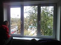 Окно трёхстворчатое одно глухое и два поворотно-откидных профиль Wintech 4 кам