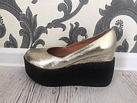 Женские  туфли на платформе натуральные,кожаные,золотистые