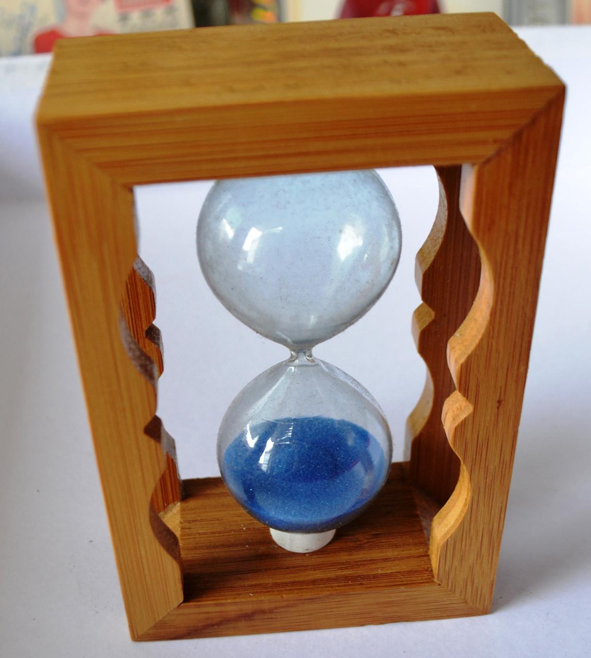 Песочные часы декоративные в деревянном корпусе