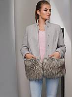 Модное Короткое Пальто на Зиму с Меховой Отделкой Серое