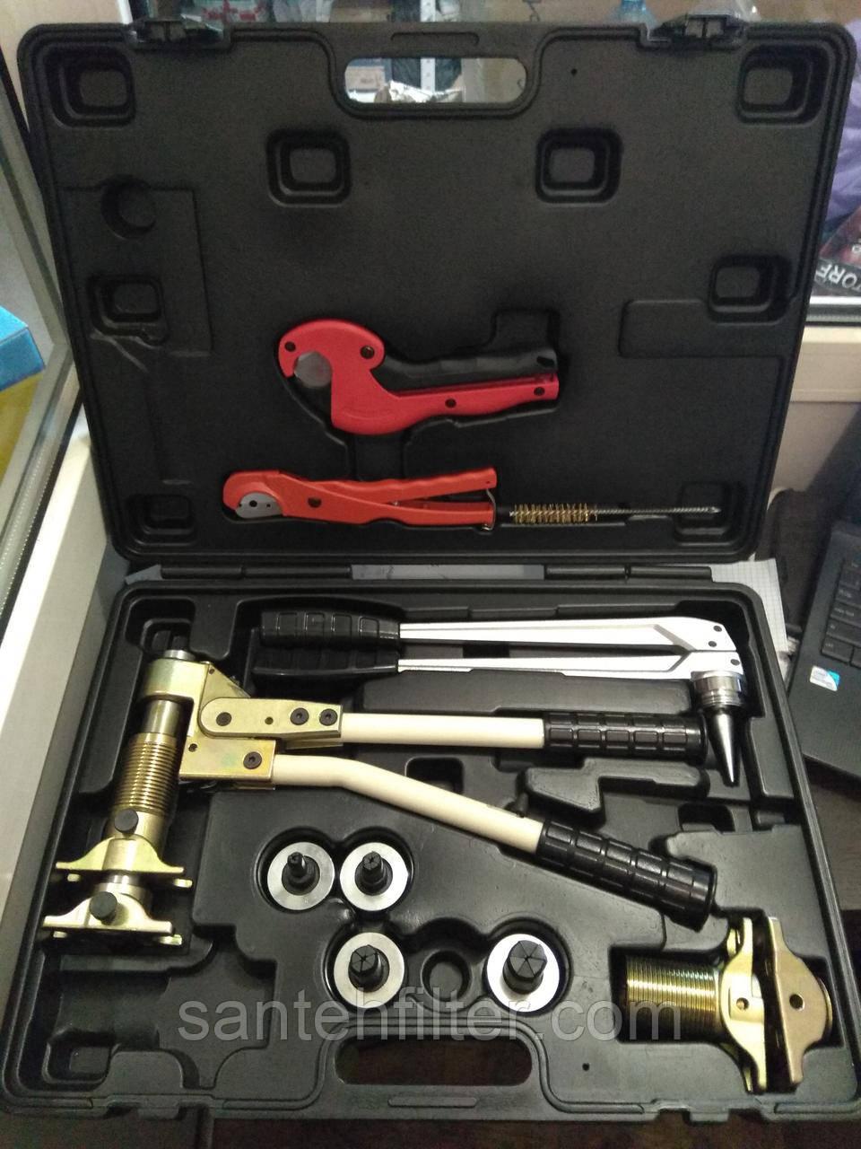 Инструменты для труб Рехау