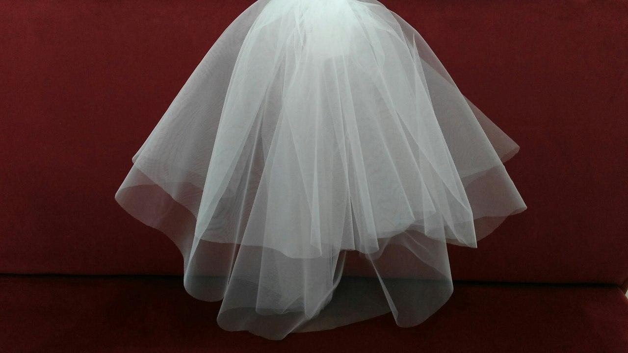 Свадебная фата короткая из еврофатина айвори (бежевая)