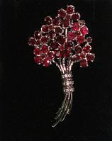 Серебряная брошь 925 пробы с натуральным рубином