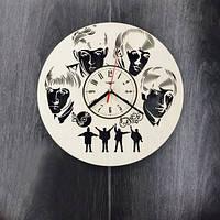 Настенные часы из дерева Ливерпульская четверка
