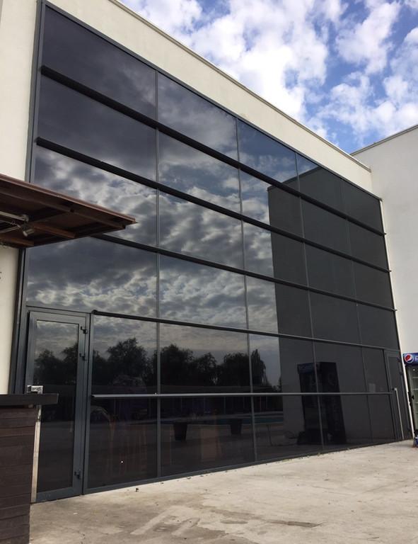 Алюминиевые двери тёплые в фасад. (одностворчатые)  63
